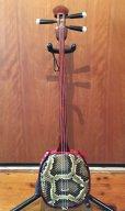 画像2: 沖縄産上質ユシギ(ゆし木・和名:イスノキ)三線セット スンチ塗り・与那型 (2)